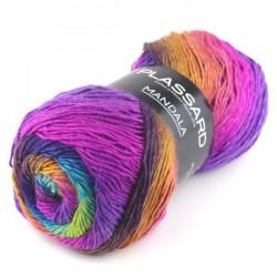 pelote de laine chinée à...