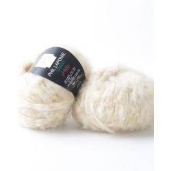 Gros fil poilue à tricoter...