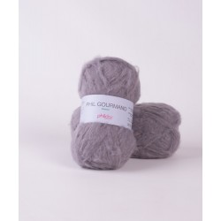 Laine poilue à tricoter...